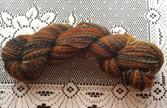 This is another fractal-spun 2-ply yarn, this time spun from Corriedale.